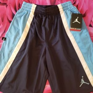 Nwt Air Jordan shorts boys youth medium